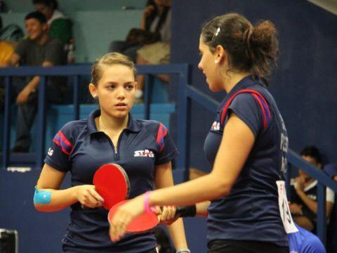 Carelyn Cordero y Daniely Ríos. Foto cortesía de Rubén Ochoa