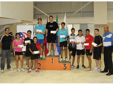 Los ganadores de premios en metálico del Individual Abierto. (Foto:Daniel Aranzamendi)