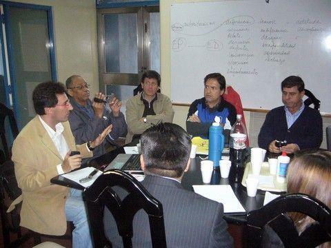 """Oswaldo """"Papelón Borges"""", segundo por la izquierda, en la Asamblea de la FIBE celebrada en 2010 en Sevilla."""